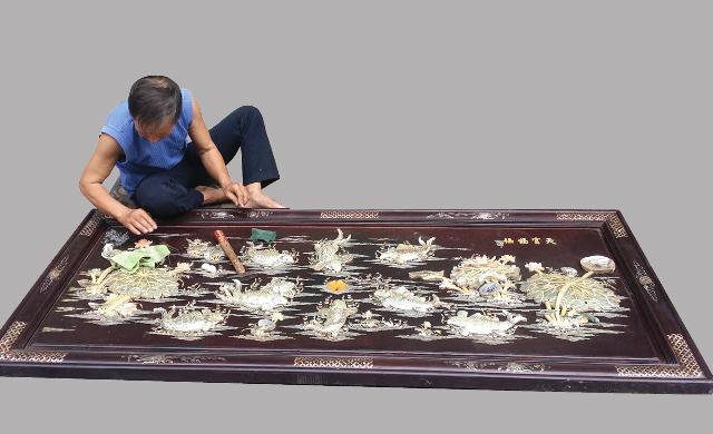 Nghề khảm trai có nguồn gốc từ làng Chuôm Ngọ, huyện Phú Xuyên