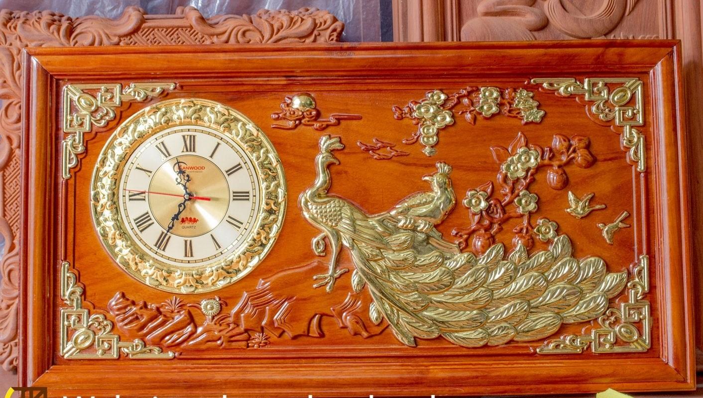 Tranh gỗ đồng hồ chim công mẫu đơn