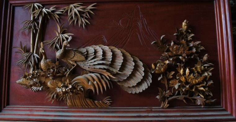 Tranh gỗ hoa mẫu đơn chim công