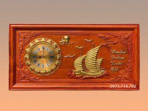 Tranh gỗ đồng hồ Thuận buồm xuôi gió 41x81